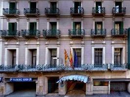 Hotel Gaudi (palau Guell View)