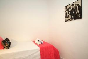 467122) Apartamento A 258 M Del Centro De Barcelona Con Aire Acondicionado, Aparcamiento, Lavadora