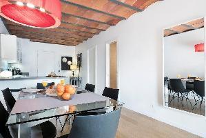 554608) Apartamento En El Centro De Barcelona Con Aire Acondicionado, Ascensor, Terraza, Lavadora