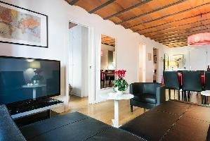 554616) Apartamento En El Centro De Barcelona Con Aire Acondicionado, Ascensor, Lavadora
