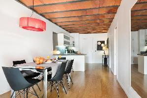 554624) Apartamento En El Centro De Barcelona Con Aire Acondicionado, Ascensor, Terraza, Lavadora