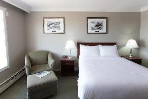 Hotel Arctic - Two Queen Standard Room
