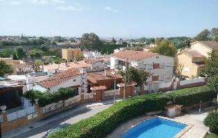 498103) Apartamento En El Centro De Castelldefels Con Piscina, Jardín, Lavadora