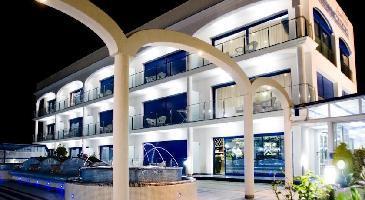 515192) Estudio A 1 Km Del Centro De Castelldefels Con Piscina, Aire Acondicionado, Aparcamiento, Te