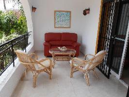 51925) Casa En El Centro De Ciudad Quesada Con Piscina, Aire Acondicionado, Terraza, Jardín