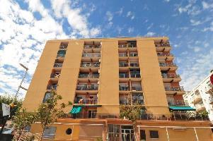 562276) Apartamento En El Centro De Calella Con Ascensor, Terraza, Lavadora