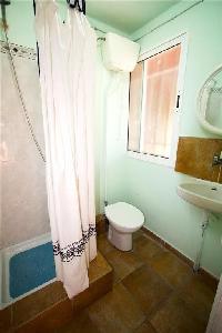 552252) Villa En Deltebre Con Piscina, Aire Acondicionado, Lavadora