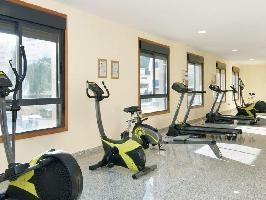 551363) Apartamento En El Centro De Fuengirola Con Ascensor, Aparcamiento, Terraza, Jardín