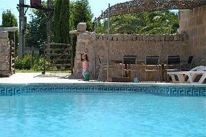 211281) Casa En Porreras Con Piscina, Aire Acondicionado, Jardín, Lavadora