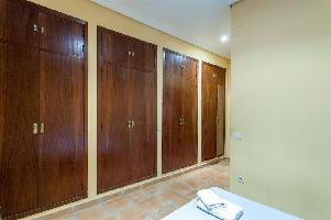 416545) Apartamento En El Centro De Valencia Con Aire Acondicionado, Aparcamiento, Lavadora