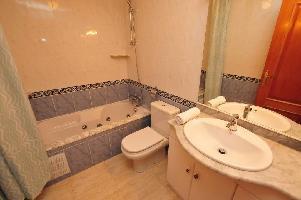569468) Apartamento En El Centro De Malgrat De Mar Con Ascensor, Terraza, Lavadora