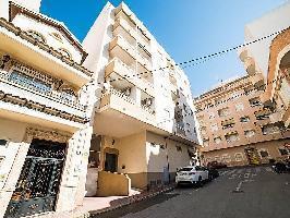 106443) Apartamento En El Centro De Torrevieja Con Ascensor, Terraza, Balcón, Lavadora