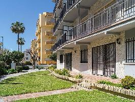 465287) Apartamento En Rincón De La Victoria Con Aire Acondicionado, Aparcamiento, Terraza, Balcón