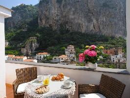 346934) Apartamento En El Centro De Amalfi Con Internet, Aire Acondicionado, Aparcamiento, Terraza