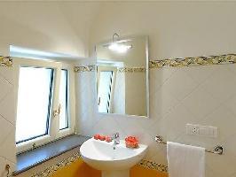 346958) Apartamento En El Centro De Amalfi Con Internet, Aire Acondicionado, Aparcamiento, Lavadora