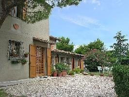 125701) Casa En Pesaro Con Internet, Aparcamiento, Jardín, Lavadora