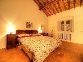 126653) Apartamento En Poggibonsi Con Aparcamiento, Jardín, Lavadora