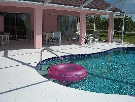 131079) Casa En Bonita Springs Con Aire Acondicionado, Aparcamiento, Terraza, Jardín