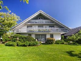 630067) Apartamento En El Centro De Bled Con Internet, Aparcamiento, Jardín, Balcón