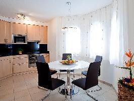 49657) Apartamento En El Centro De Leukerbad Con Internet, Ascensor, Aparcamiento, Balcón