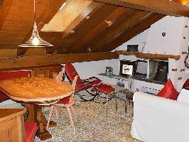 61351) Apartamento A 405 M Del Centro De Pontresina Con Aparcamiento, Balcón, Lavadora