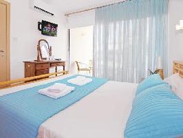 350905) Apartamento A 598 M Del Centro De Protaras Con Aparcamiento, Terraza, Lavadora