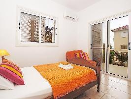 311347) Casa A 499 M Del Centro De Protaras Con Internet, Aire Acondicionado, Terraza, Lavadora