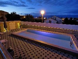 113109) Apartamento En El Centro De Nin Con Internet, Aire Acondicionado, Aparcamiento, Terraza
