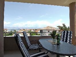 113185) Apartamento En El Centro De Nin Con Internet, Aire Acondicionado, Aparcamiento, Terraza