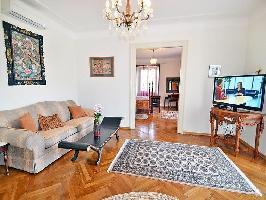 124595) Apartamento En El Centro De Lovran Con Internet, Aire Acondicionado, Aparcamiento, Jardín