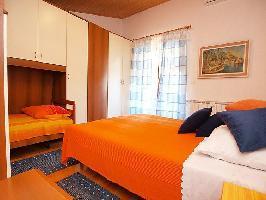 453449) Apartamento A 1.4 Km Del Centro De Pula Con Internet, Aire Acondicionado, Aparcamiento, Terr
