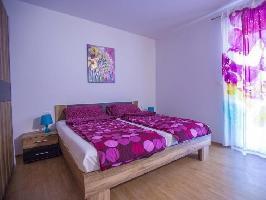 630083) Apartamento En El Centro De Tar Con Internet, Aire Acondicionado, Aparcamiento, Terraza