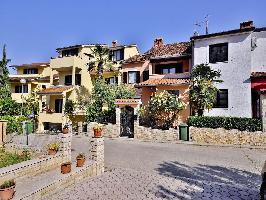 332039) Apartamento En El Centro De Vrsar Con Aire Acondicionado, Aparcamiento, Balcón