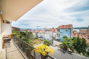 455534) Apartamento En El Centro De Crikvenica Con Aire Acondicionado, Aparcamiento, Balcón