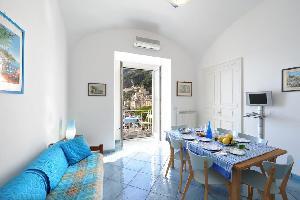 491622) Apartamento En El Centro De Amalfi Con Terraza, Lavadora