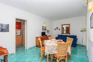 491623) Apartamento En El Centro De Amalfi Con Terraza, Lavadora