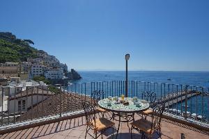 491626) Apartamento En El Centro De Amalfi Con Terraza, Lavadora