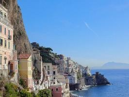 491685) Apartamento En El Centro De Amalfi Con Terraza, Lavadora