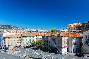 539310) Estudio En El Centro De Cannes Con Terraza, Lavadora