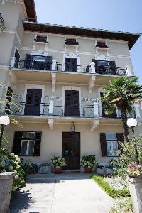463314) Apartamento En El Centro De Lovran Con Aire Acondicionado, Aparcamiento, Balcón