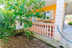 463771) Apartamento En El Centro De Trogir Con Aire Acondicionado, Aparcamiento, Terraza