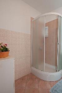 463335) Habitación En El Centro De Lovran Con Aire Acondicionado, Aparcamiento, Balcón