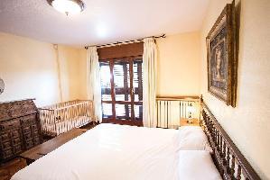460474) Villa En El Centro De Sant Pol De Mar Con Internet, Piscina, Aire Acondicionado, Aparcamient