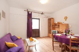 467334) Apartamento En El Centro De Supetar Con Aire Acondicionado, Aparcamiento, Balcón
