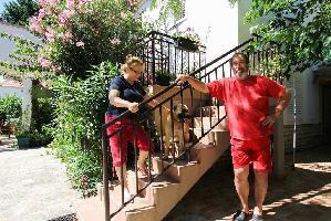 467749) Apartamento En El Centro De Sveti Filip I Jakov Con Aire Acondicionado, Aparcamiento, Jardín