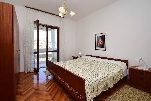 351746) Apartamento En El Centro De Pag Con Aire Acondicionado, Aparcamiento, Balcón