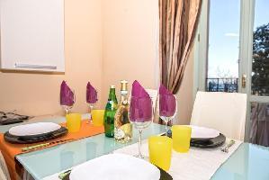562388) Apartamento En El Centro De Desenzano Del Garda Con Ascensor