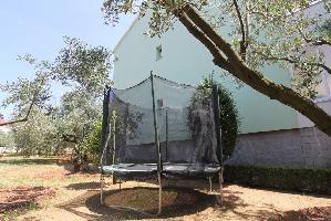 500821) Apartamento En El Centro De Sveti Filip I Jakov Con Aire Acondicionado, Aparcamiento, Balcón