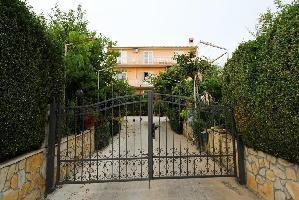 502738) Apartamento En El Centro De Sveti Filip I Jakov Con Aire Acondicionado, Aparcamiento, Balcón