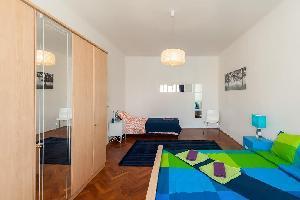 498688) Apartamento En El Centro De Praga Con Ascensor, Balcón, Lavadora